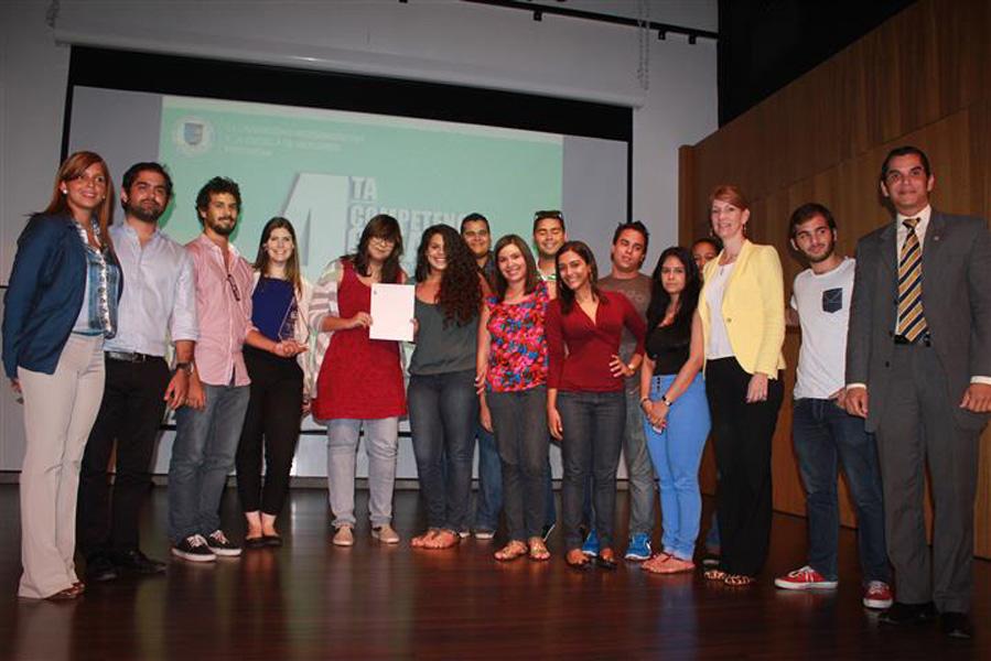tPago inspira a estudiantes de Unibe a realizar campaña comunicacional en 4ta competencia creativa - image img_4179_small-1 on https://gcs-international.com